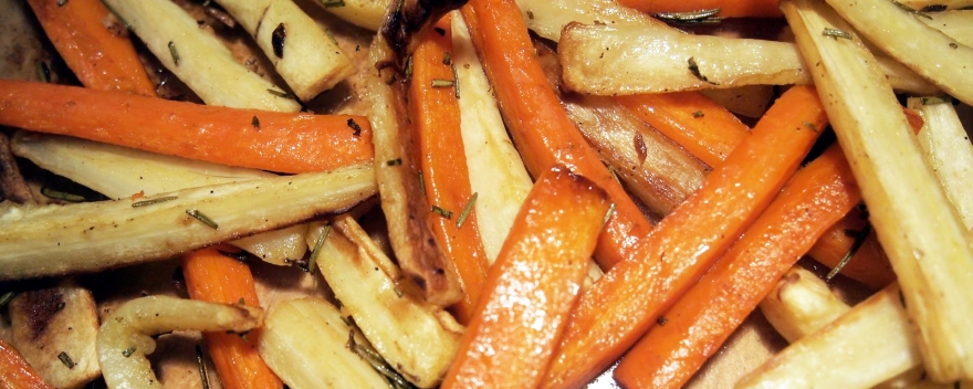 Baked parsnips and carrots with rosemary