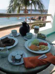 Room service with a view at the Camino Real Zaashila in Huatulco. Credit: Therese Kehler, December 2016