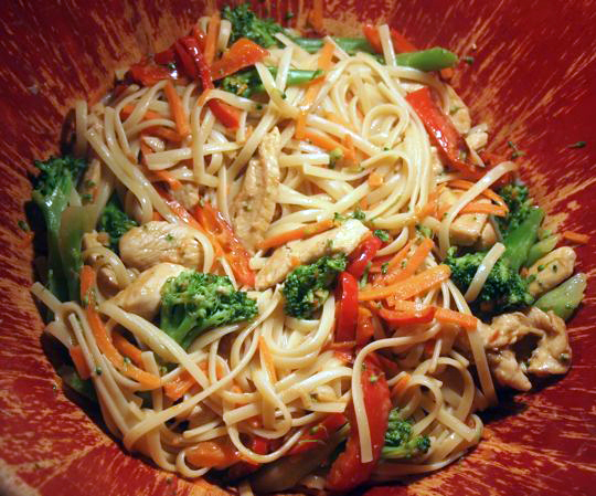 Thai Noodles with Chicken and Broccoli