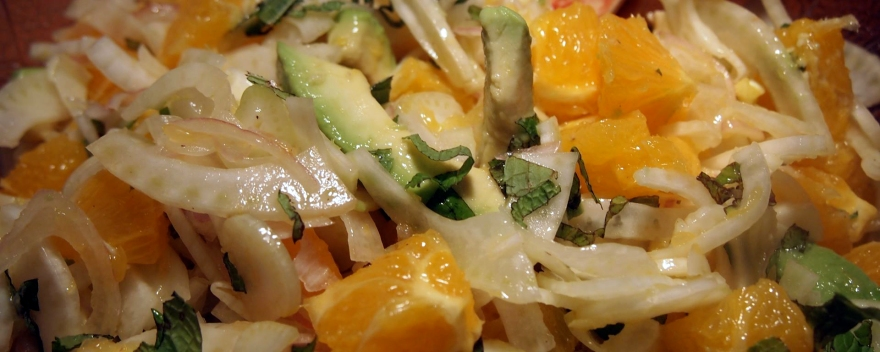 Salad with fennel, oranges, avocado and mint.