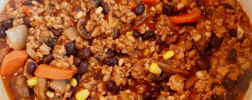 Turkey chili with beans and barley