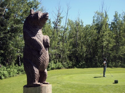 This fellow — an homage, one expects, to the Grizzly Trail — was far less hostile than the horseflies on this hole.