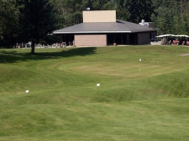 The ninth hole at Elk Island, a 397-yard par 4 that which rolls its way mostly downhill towards the clubhouse. The par 4s range in length from 326 to a whopping 410 yards.