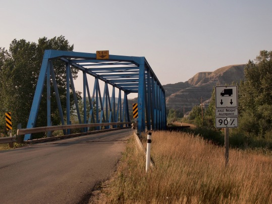 In the six kilometres between Highway 10 and the Last Chance Saloon, you'll cross six bridges.